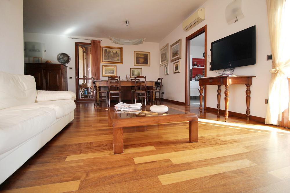 Villa Abbinata Con 2 Unità in vendita Reggio Emilia MANENTI SUD
