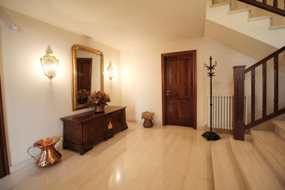 Villa Abbinata Con 2 Unità in vendita Reggio Emilia VICINANZE CENTRO STORICO
