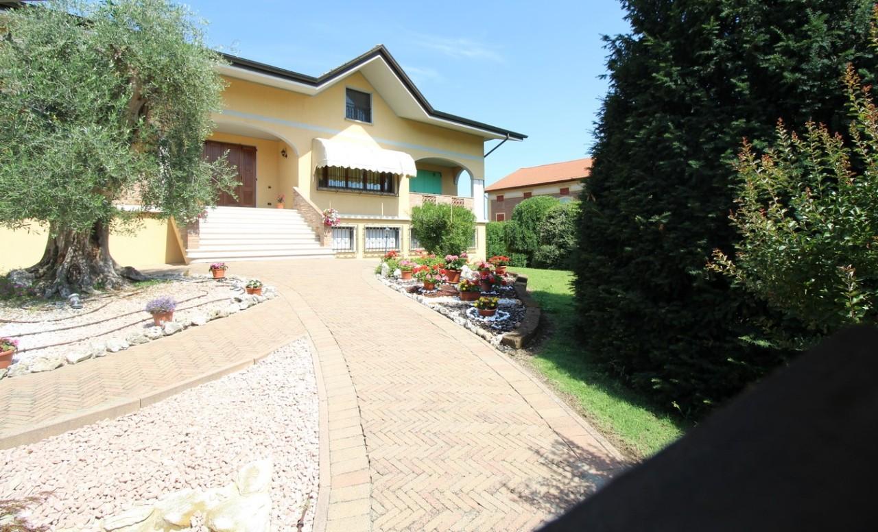 Villa Singola in vendita Casalgrande CASALGRANDE