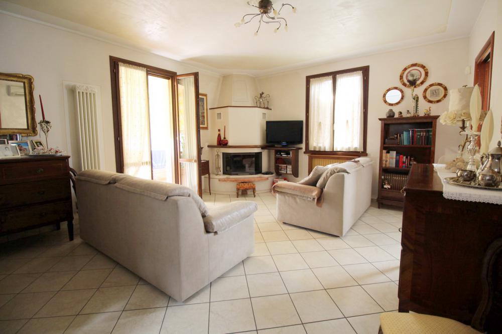 Villa Abbinata in vendita Scandiano BOSCO